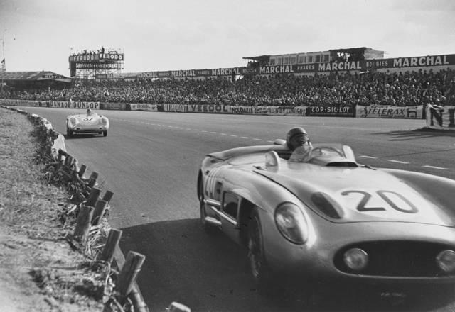 HISTOIRE DE NASCAR - Page 3 1955_mercedes20-porsche37_jm